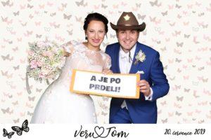 Fotokoutek na svatbě je ideální řešení jak zabavit svatební hosty