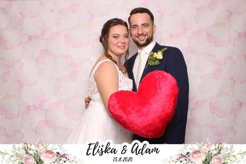 Fotokoutek na svatbě? Ideální zábava pro hosty i novomanžele
